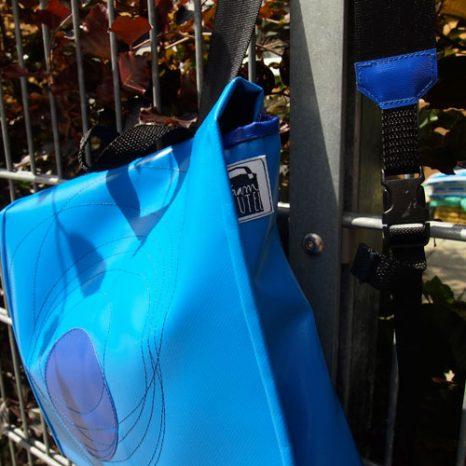 rucksack-klein-blau3