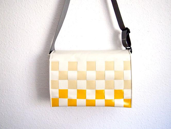 Umhängetasche gewebt weiß und gelb