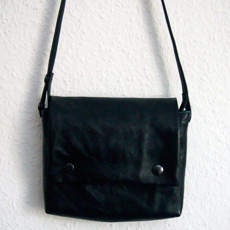 ledertasch-klein-schwarz1
