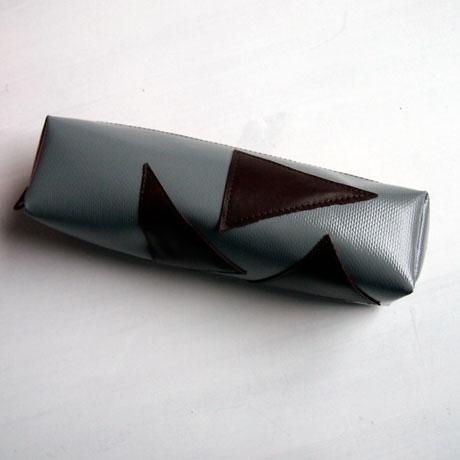 maeppchen-grau-leder-dreiecke-3