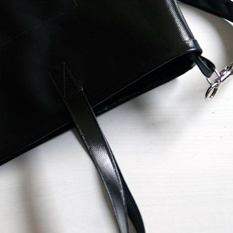 Black Beauty / schwarze Tasche aus LKW-Plane / krambeutel.de