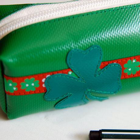 Glücks-Federmäppchen aus LKW-Plane / www.krambeutel.de / krambeutel Deine Wunschtasche