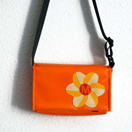 Kindergartentasche mit Blume für kleine Mädchen / krambeutel Deine Wunschtasche / www.krambeutel.de
