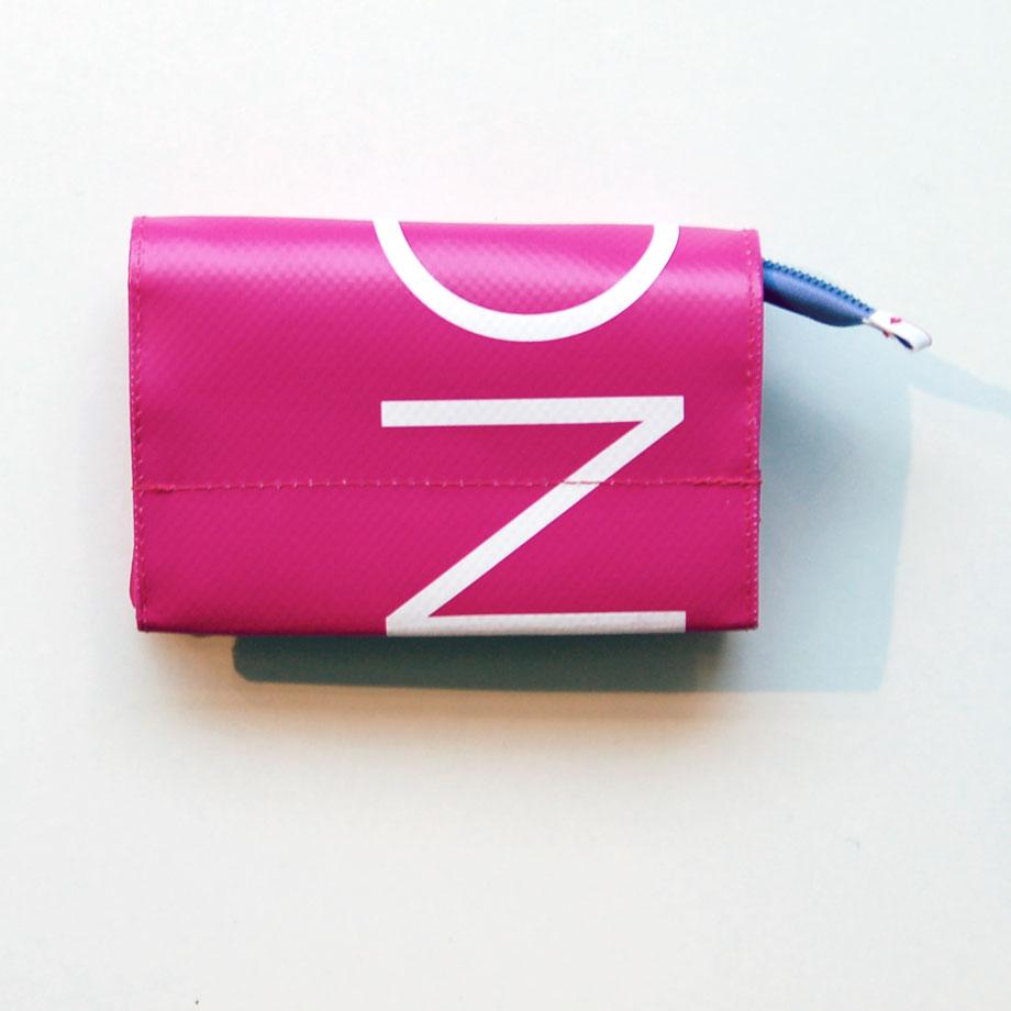 Geldbeutel Größe S aus Ausstellungsbanner in pink / krambeutel Deine Wunschtasche / www.krambeutel.de / Stefanie Ramb München