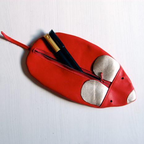 Lederne Maus für Stifte Kosmetik Kleinigkeiten www.krambeutel.de krambeutel Deine Wunschtasche Mäppchen Etui München Stefanie Ramb
