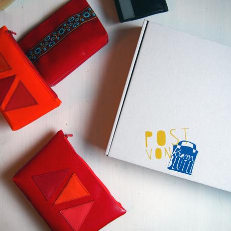 """handbedruckte Versandkartons """"Post von krambeutel"""" mit Siebdruck / Stefanie Ramb München / krambeutel Deine Wunschtasche www.krambeutel.de"""