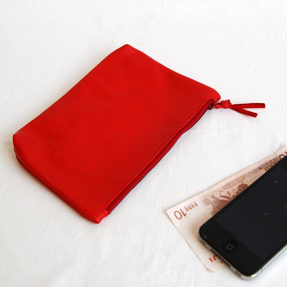 Lederetui mit Reißverschluss in rot aus weichem Lammleder. krambeutel Deine Wunschtasche www.krambeutel.de maßgeschneiderte Beutel aus München Stefanie Ramb