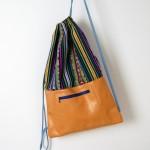 Turnbeutel-Rucksack aus Leder und Wollstoff, gefüttert, mit Außentasche. krambeutel Deine Wunschtasche München www.krambeutel.de Stefanie Ramb handgemachte Wunschtaschen aus München