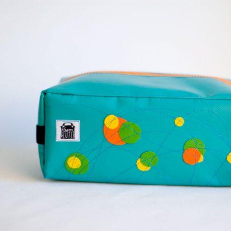 Federmäppchen Kulturbeutel Waschbeutel aus LKW-Plane, maßgefertigt von krambeutel Deine Wunschtasche Stefanie Ramb München