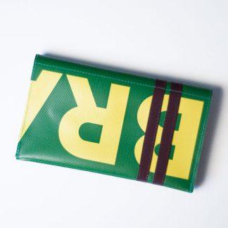 Tabaktasche aus ehemaligem Ausstellungsbanner, handgemacht in München von krambeutel Deine Wunschtasche Stefanie Ramb www.krambeutel.de