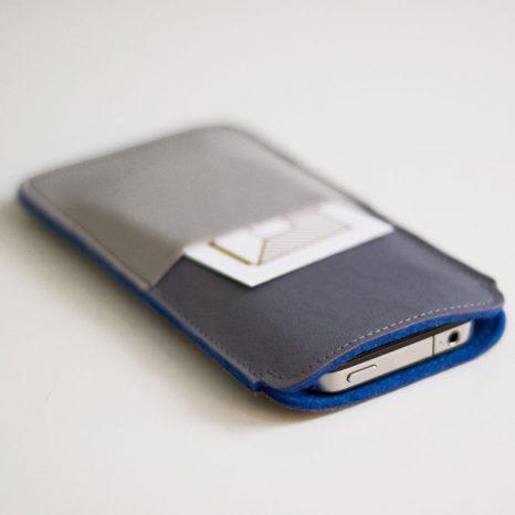 Smartphonehülle aus Leder mit Zusatzfach, gefüttert mit Wollfilz krambeutel Deine Wunschtasche www.krambeutel.de München Stefanie Ramb