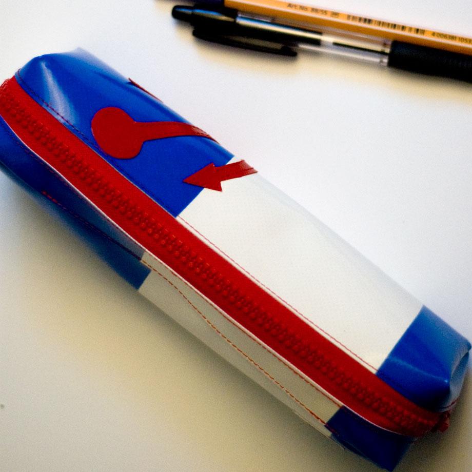 Federmäppchen aus LKW-Plane, weiß blau mit rotem Anker, handgemacht in München www.krambeutel.de krambeutel Deine Wunschtasche Stefanie Ramb