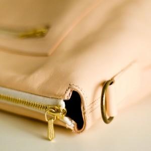 Lederne Handtasche von krambeutel Deine Wunschtasche. Ökologisch gegerbtes Rindsleder, handgemachte Tasche mit abnehmbarem Schulterriemen. krambeutel.de Stefanie Ramb München