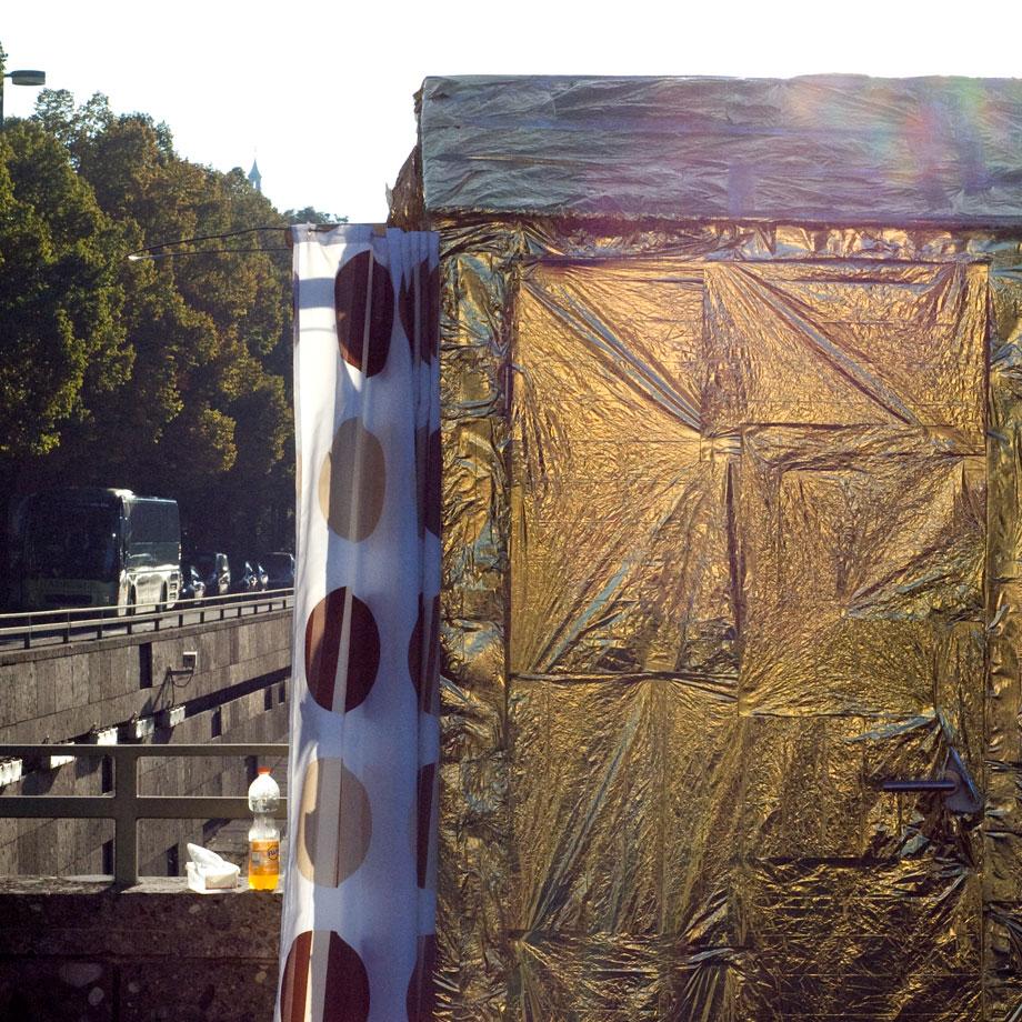 """Eine Übernachtung im """"Au Gold Haus"""", einem Shabbyshabby Apartment der Münchner Kammerspiele"""